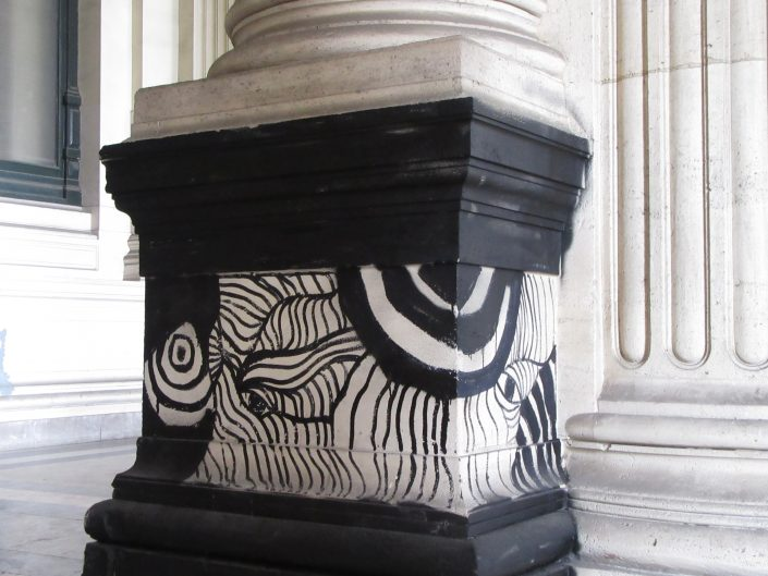 Clash of modern and classical art - painted pillar base, Brussels, Belgium, 2017