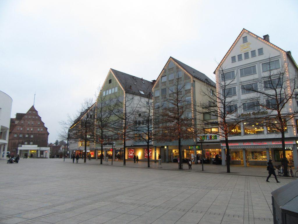 Ulm city square at Ulm Minister, Travel to Ulm