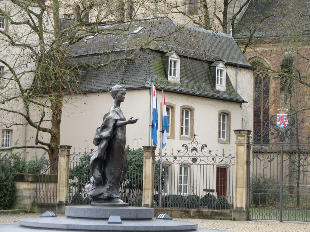 sculpture of woman in Luxembourg