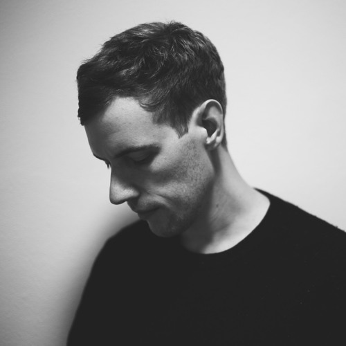 Black and white profile picture of Tom Day Aussie Music Producer